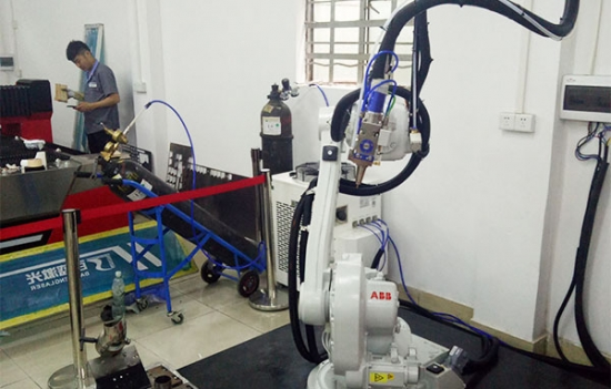 Robotic Arm Laser Cutting and Welding Machine